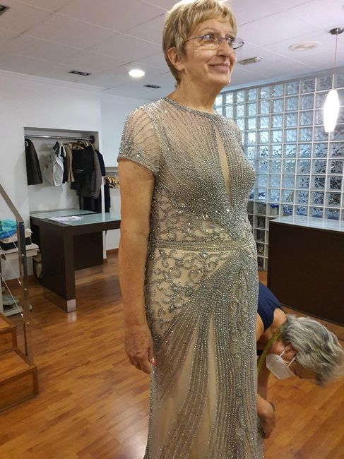Primera prueba de vestido de mi madre. 1
