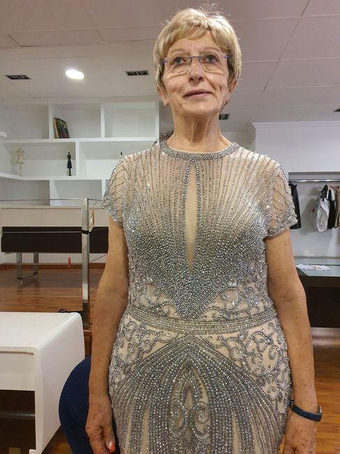 Primera prueba de vestido de mi madre. 3
