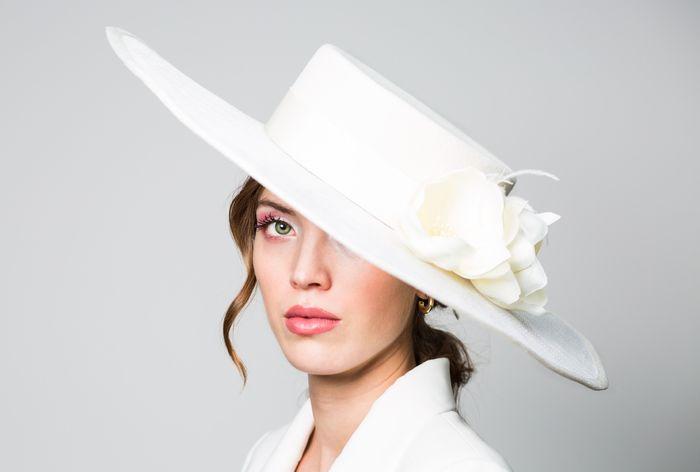 Novias con sombrero 5