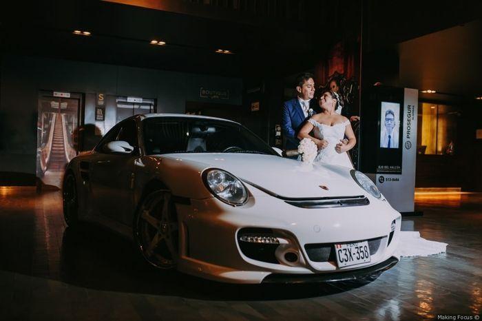 2 bodas, 2 coches. ¿Cuál prefieres? 1