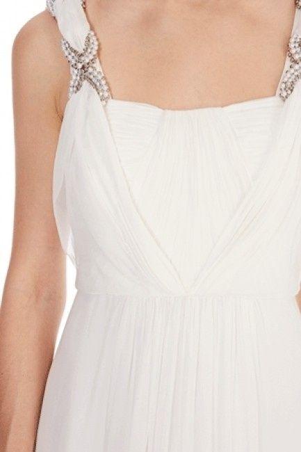 Vestido largo blanco de Coast_detalle pecho