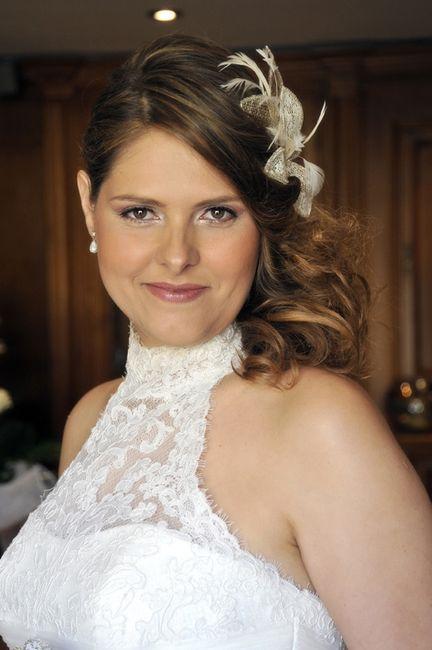 Peinados para vestidos de novia con cuello halter