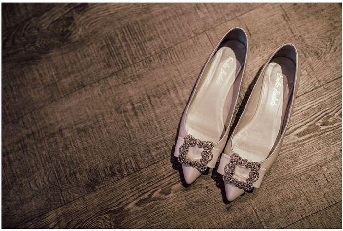 Zapatos planos o con muy poco tacón 16