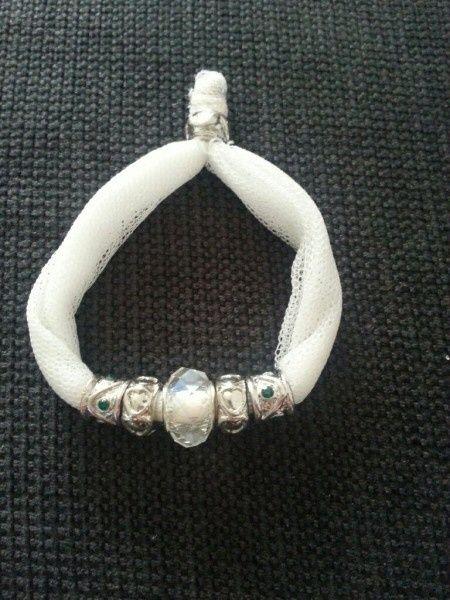 pulseras hechas con vuestro vestido de novia - página 3