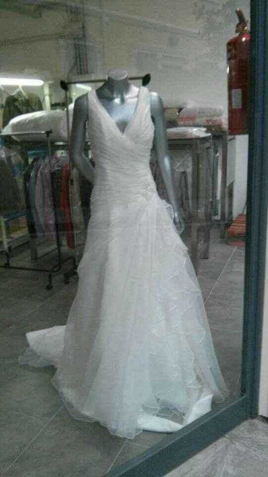 Sabeis de que tienda  es este vestido? - 1