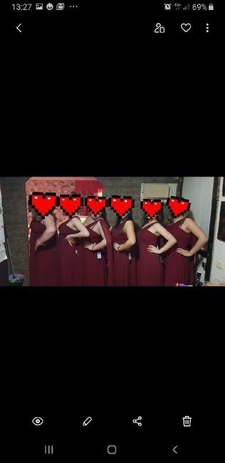 Los vestidos de las damas de honor lo pagamos nosotros o ellas? 2