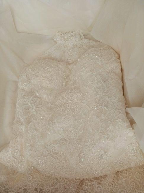 Guardar el vestido en una caja 2