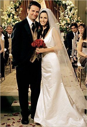Hablemos de los vestidos de novia y trajes de Friends 4