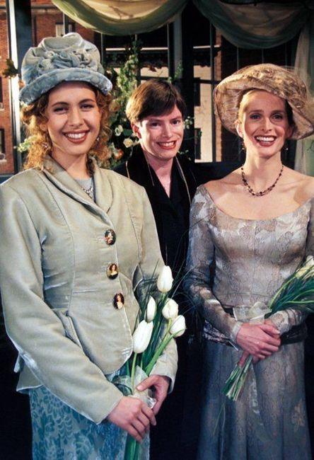 Hablemos de los vestidos de novia y trajes de Friends 5