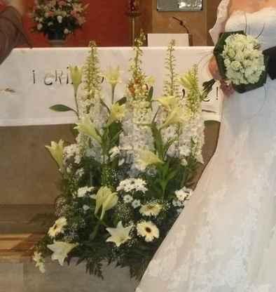 Flores centro del altar