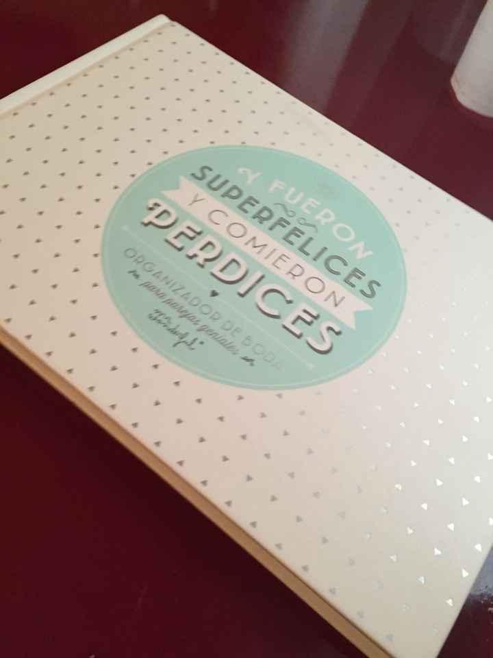 Mi agenda de boda, regalo de mi cumple!!! - 1