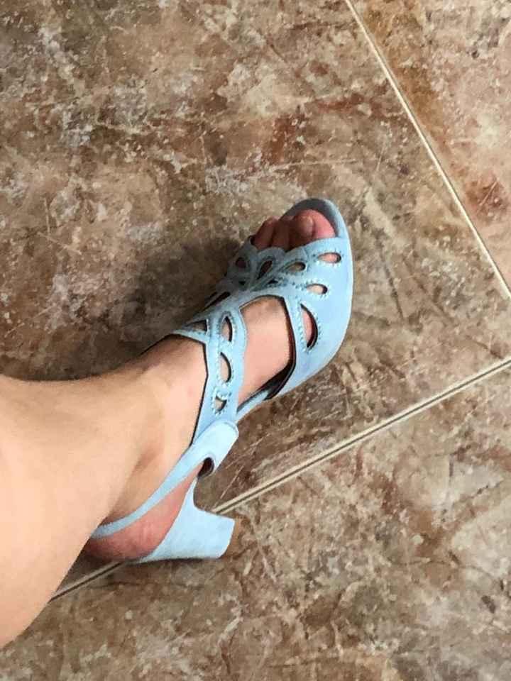 Indecisa con los zapatos - 1