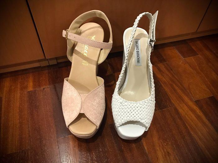 Cuál de los 2 zapatos? 1