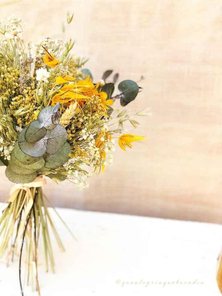 ¿Qué flores no pueden faltar en tu ramo de novia? 💐 - 2