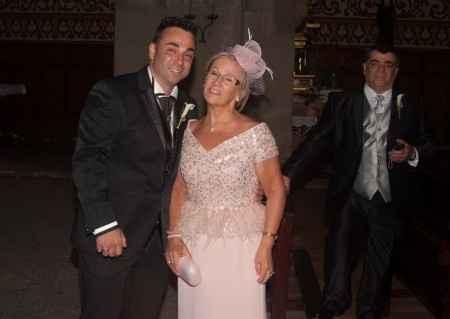 La madrina osea mi suegra con mi marido