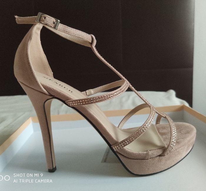 Zapatos blancos VS Zapatos de color - 2