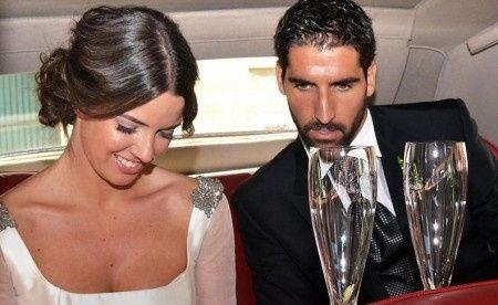 boda raul garcia (jugador del atletico de madrid) - bodas famosas