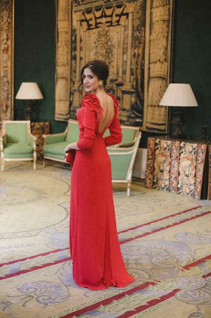Buscando vestido rojo - 1