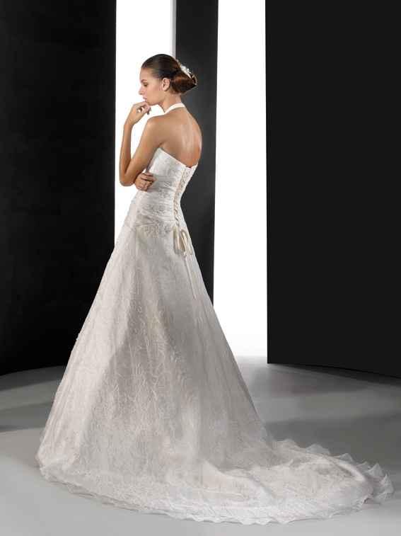 la parte de atras del vestido