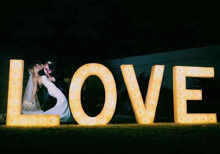 Iniciales de letras grandes para bodas - 1