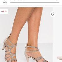 Zapatos-chicas con mucho puente en los pies - 1