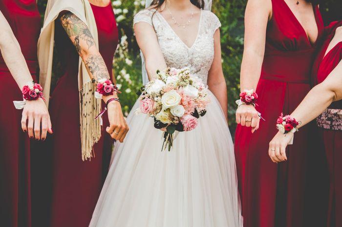¿Para las damas mejor ramo o pulsera de flores? 1