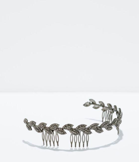 El enlace http//www.zara.com/es/es/mujer/accesorios/complementos/diadema,corona,hojas,c271008p2290006.html