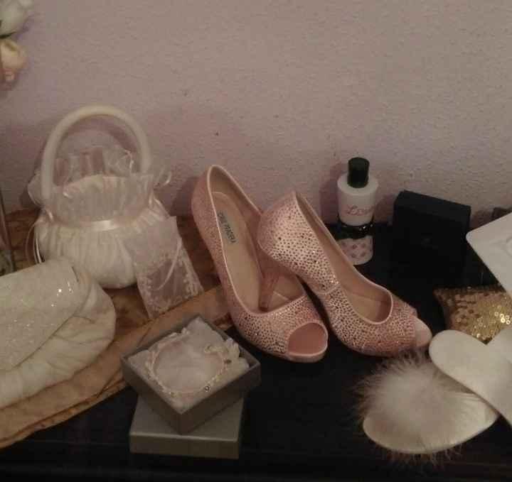 El dilema de Marta:¿zapatos blancos o con color? - 1