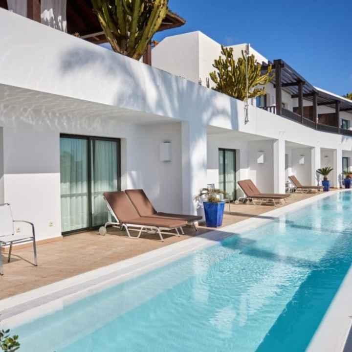 Hotel Canarías (habitación con piscina) - 2