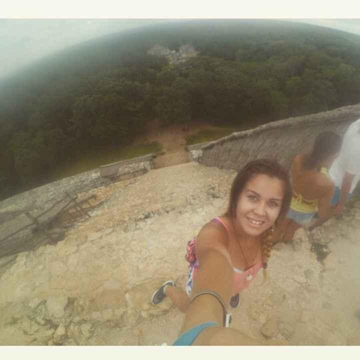 En la cima de las ruinas de Ek Balam