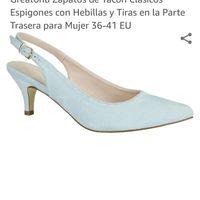 Para la que busque zapatos azules - 1