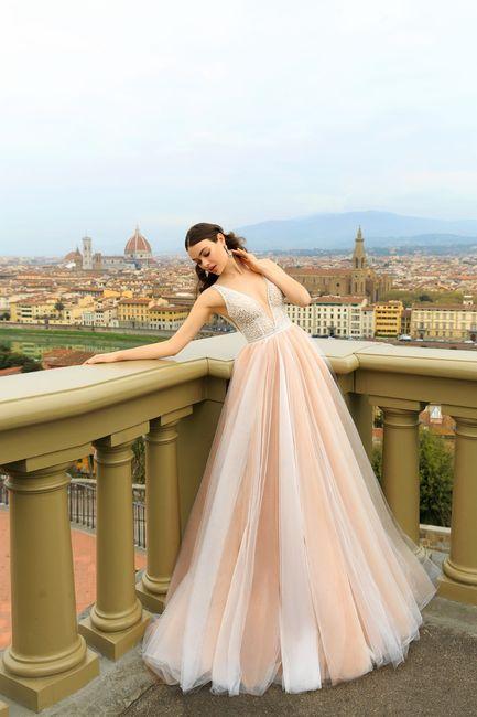 ¿Te alucina este vestido rosa palo? 👗 1