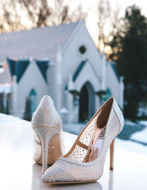 ¿A favor o en contra de los zapatos con brilli brilli? ✨ 1