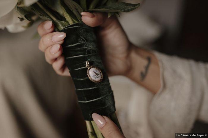 ¿Añadirás un camafeo a tu ramo de novia? 1