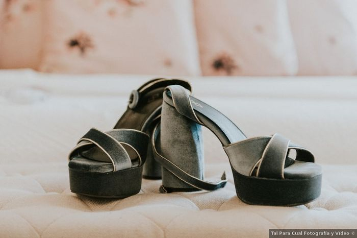 ¿Eres fan del terciopelo? ¡Estos zapatos son para ti! 😎 1
