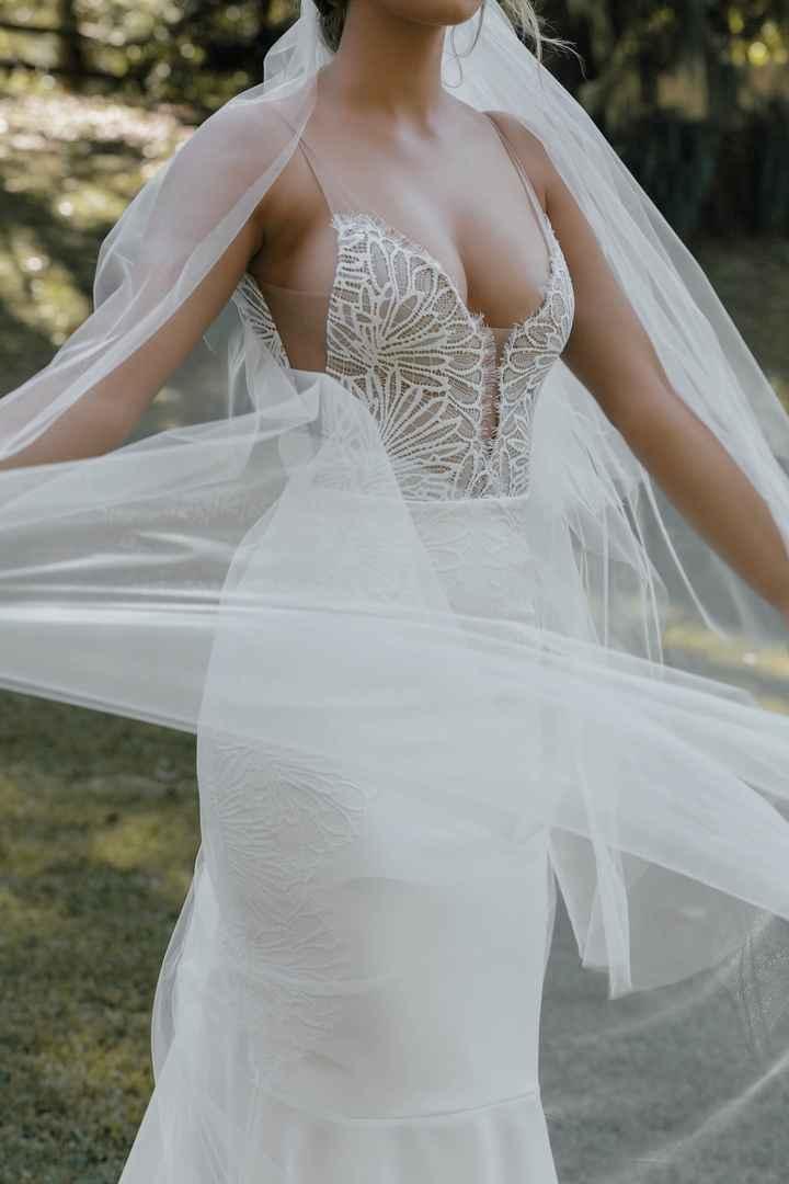 ¿Qué pendientes encajan mejor con este vestido? 🤔 - 2