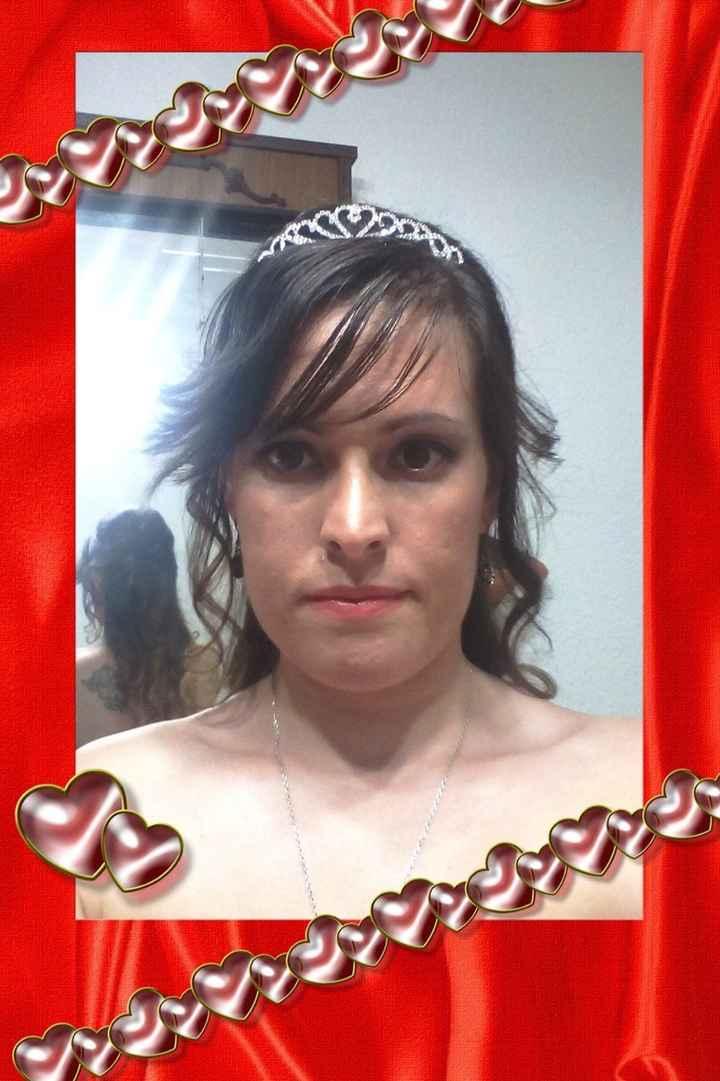 Semirecogido con la tiara