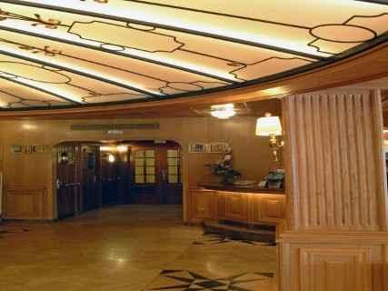 La entrada al salón... la cúpula del Titanic!