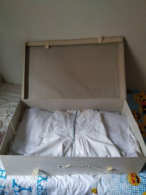 ¿Caja para guardar el vestido? 4