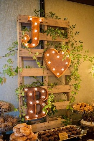Ideas utilización palets en bodas 9
