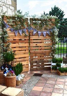 Ideas utilización palets en bodas 20