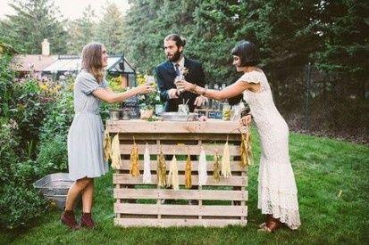 Ideas utilización palets en bodas 25