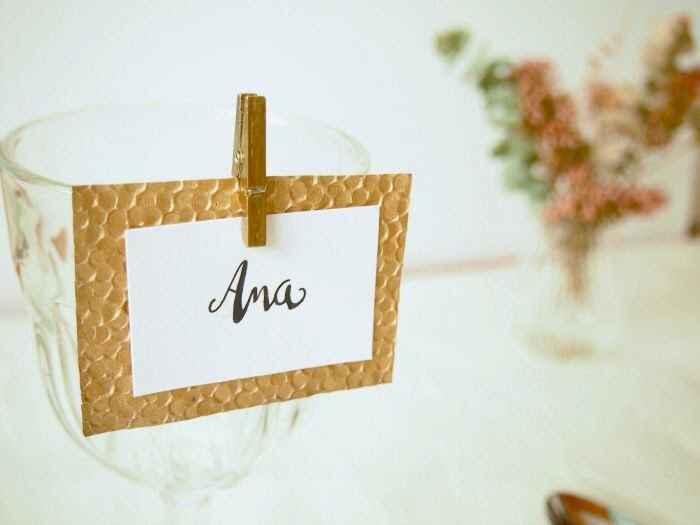 Nombres de invitados en las mesas - 1