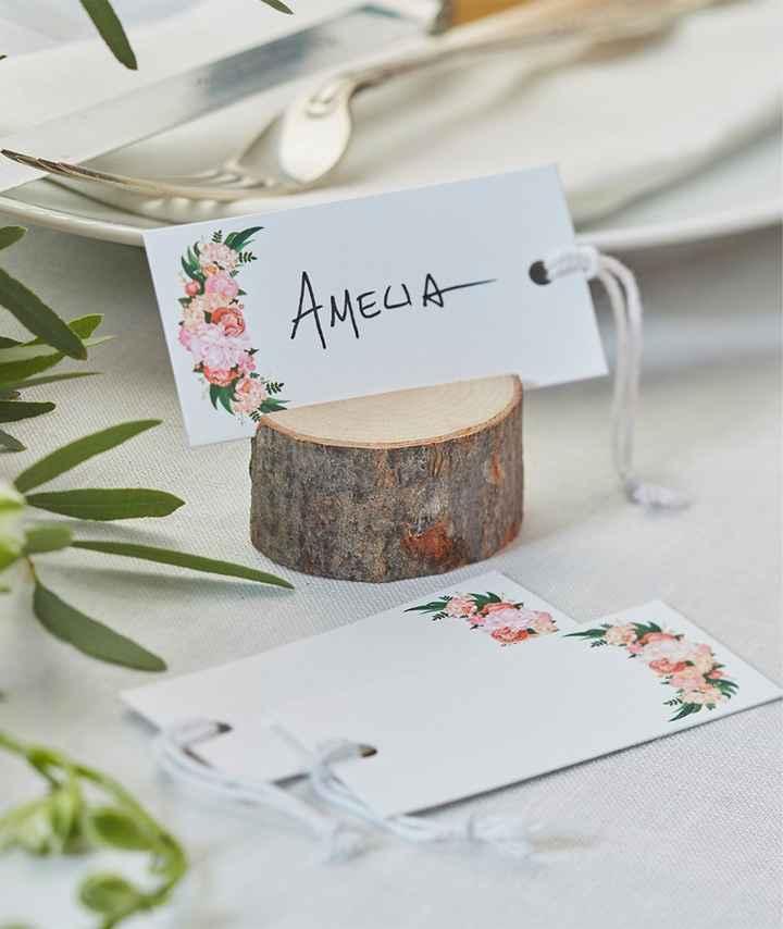Nombres de invitados en las mesas - 5