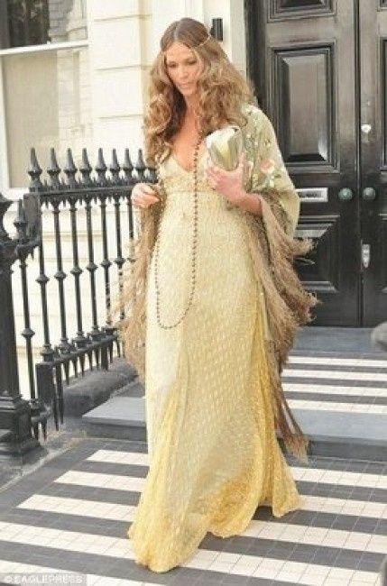 el manton de manila como complemento para la boda - moda nupcial