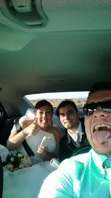 Selfie en el coche nupcial - 2