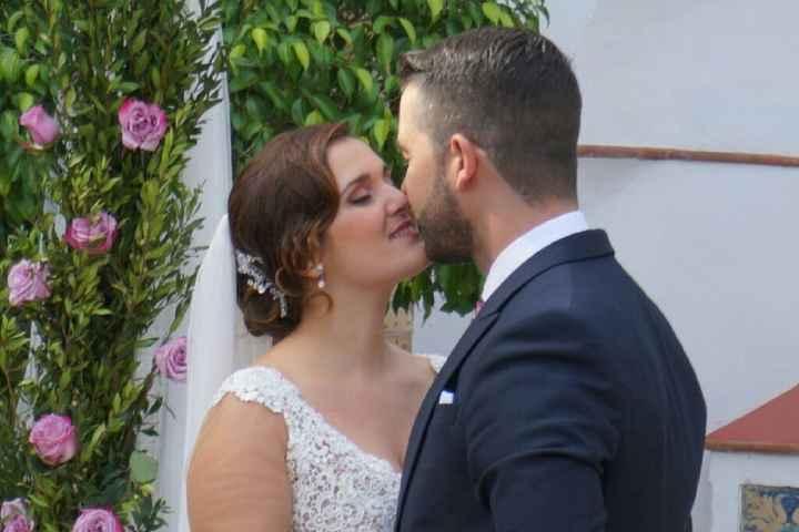 La mejor foto de beso de pareja es... - 1