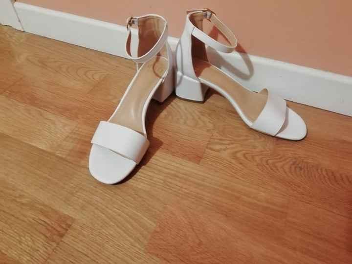 Por distraernos un poco.. Os enseño los zapatos!!! - 1