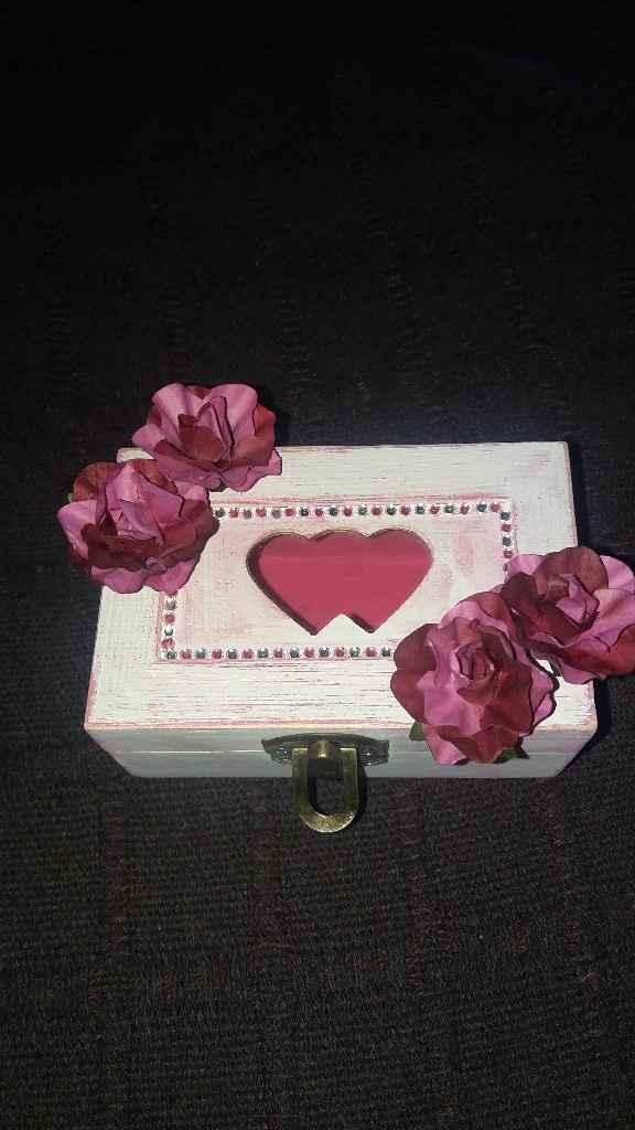 Duda con caja de anillos - 1