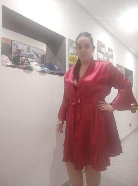 Bata y ropa interior - 1